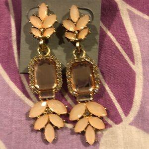 Jewelry - NWT Peach Stone Statement Earrings